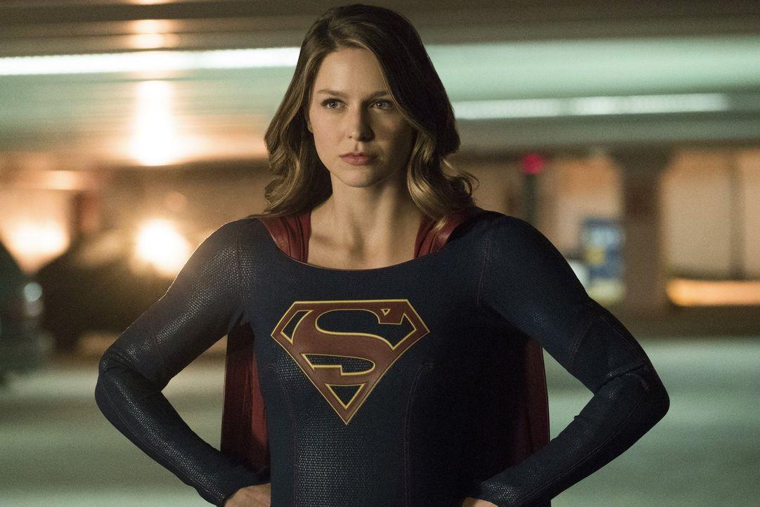 Supergirl (Melissa Benoist) versucht, ihren Schützling Mon-El, der seine Superkräfte zu unmoralischen Zwecken nutzt, wieder auf den richtigen Weg zu... - Bildquelle: 2016 Warner Bros. Entertainment, Inc.