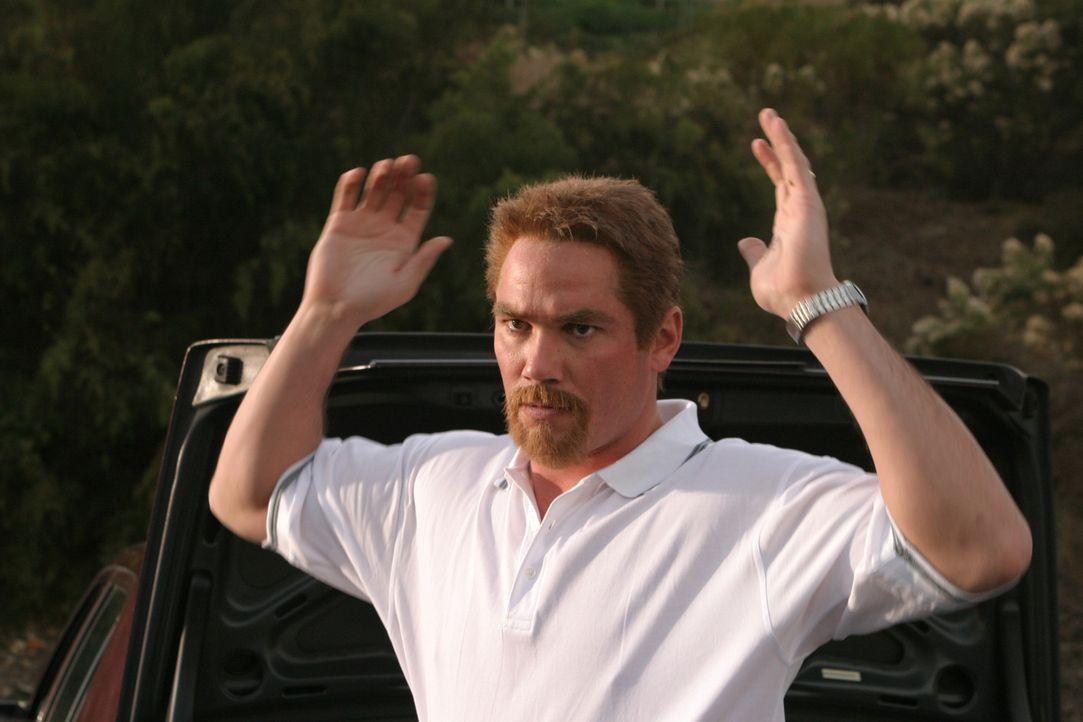 Wollte Scott Peterson (Dean Cain) sich aus dem Staub machen? Immerhin gilt er nach wie vor als Hauptverdächtiger im Falle der verschwundenen Laci P... - Bildquelle: 2004 Sony Pictures Television Inc. All Rights Reserved.