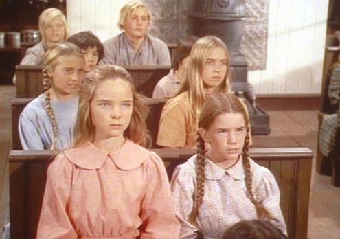 Unsere kleine Farm - Laura (Melissa Gilbert, r.) und Mary (Melissa Sue Anders...