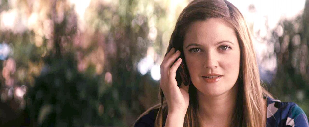 Mary (Drew Barrymore), die von einer ganzen Schar liebevoller und hilfsbereiter Männer umgeben ist, muss endlich einen kennen lernen, der nicht sch... - Bildquelle: Warner Brother