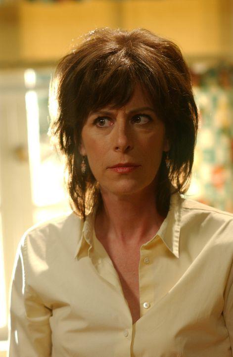 Lois (Jane Kaczmarek) ist besorgt um Dewey, der heimlich abgehauen ist ... - Bildquelle: TM +   2005 - 2006 Twentieth Century Fox Film Corporation and Regency Entertainment (USA), Inc.