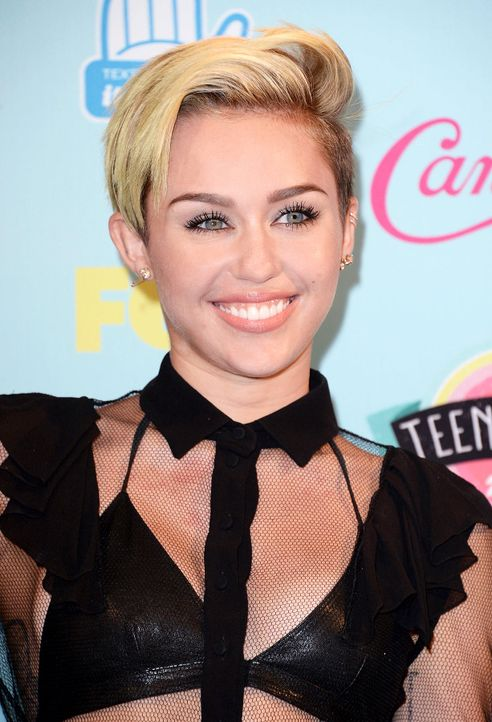 Teen-Choice-Awards-Miley-Cyrus-13-08-11-1-getty-AFP.jpg 1227 x 1800 - Bildquelle: getty-AFP