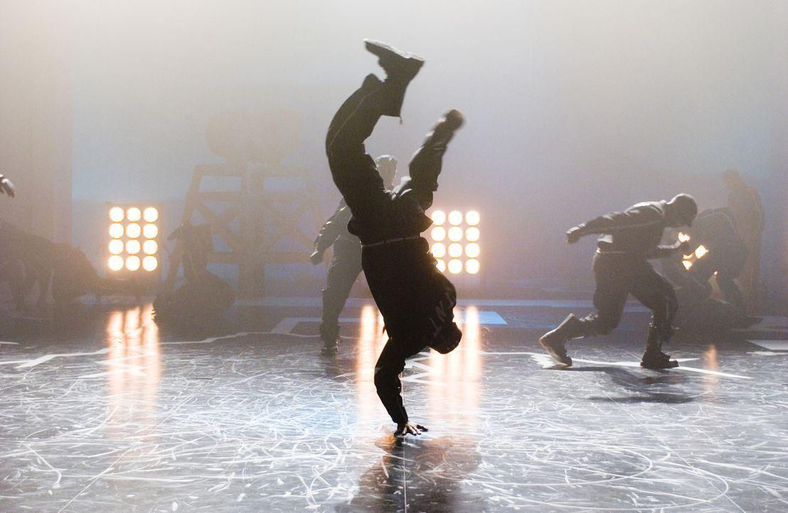 """Kaum an der Truth University angekommen, wird der Streetdancer DJ von den beiden Studentenverbindungen umworben. Sowohl die """"Thetas"""" und die """"Mu Gam... - Bildquelle: 2007 CPT Holdings, Inc. All Rights Reserved. (Sony Pictures Television International)"""