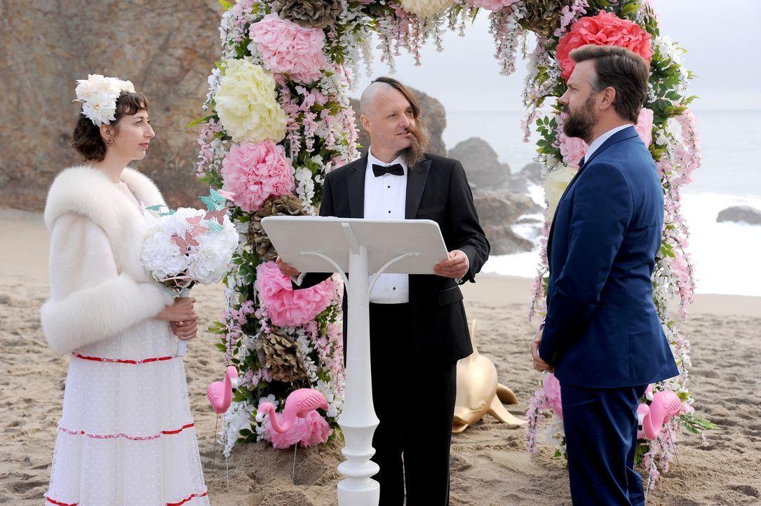 Wird Tandy (Will Forte, M.) wirklich Carol (Kristen Schaal, l.) und seinen eigenen Bruder Mike (Jason Sudeikis, r.) verheiraten, damit dieser als ei... - Bildquelle: 2015-2016 Fox and its related entities.  All rights reserved.