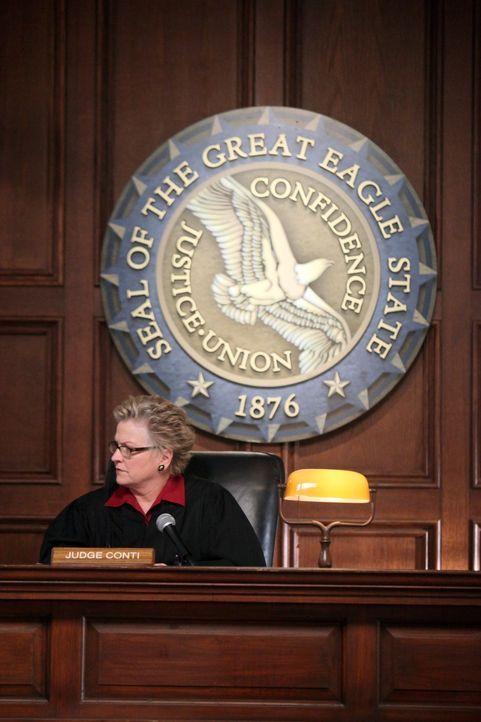 Muss über Brees Schicksal entscheiden: Richterin Conti (Alyson Reed) ... - Bildquelle: ABC Studios
