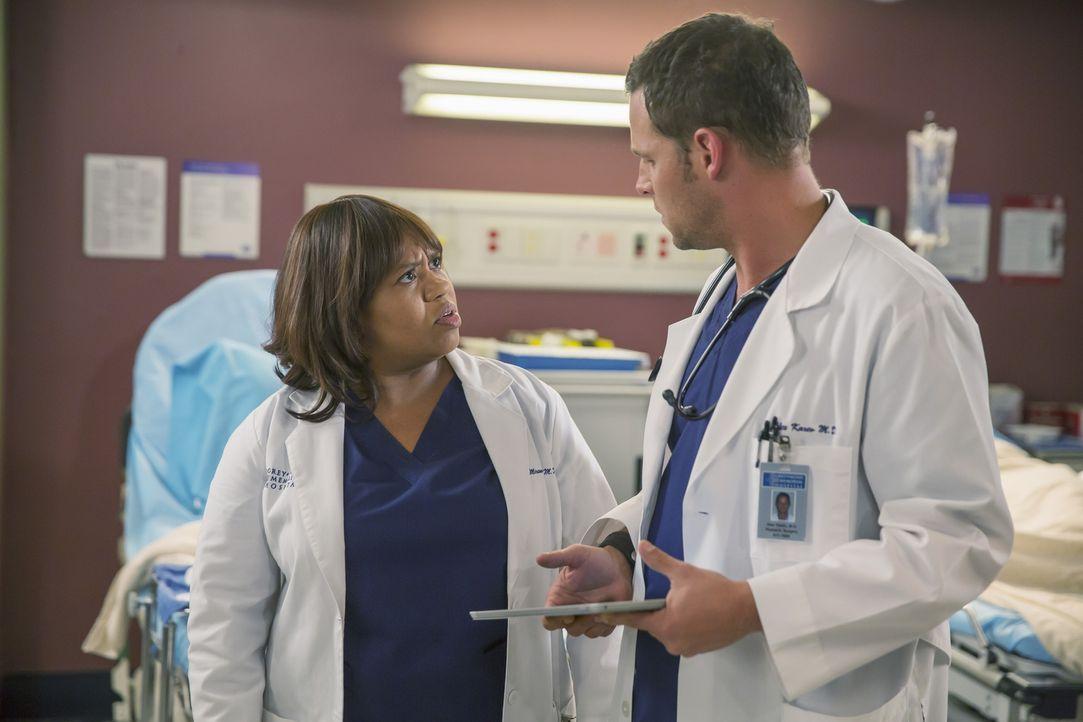 Die Behandlung des kleinen Jungen führt zu Unstimmigkeiten zwischen Miranda (Chandra Wilson, l.) und Alex (Justin Chambers, r). Ob sie durch ihren S... - Bildquelle: ABC Studios