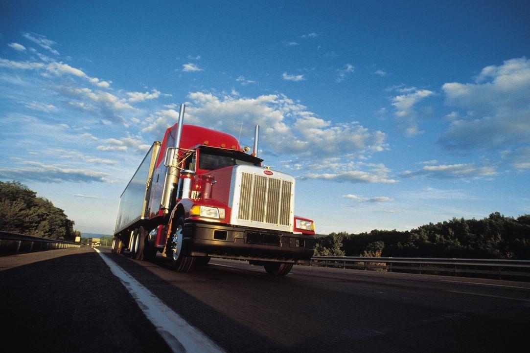 Trucks sind unverzichtbare Transportmittel in den USA. Welche Technik steckt... - Bildquelle: Thinkstock Images