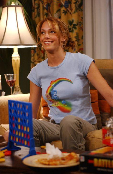Kirsten und Sandy wollen einen romantischen Abend zu zweit verbringen, doch als Hailey (Amanda Righetti) und Jimmy die beiden stören, kommt es zum... - Bildquelle: Warner Bros. Television