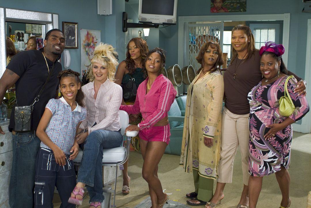 Der Beauty Shop wird bald zum Mittelpunkt ihres Lebens (v.l.n.r.): James (Bryce Wilson), Vanessa (Paige Hurd), Lynn (Alicia Silverstone), Chanel (Go... - Bildquelle: 2005 METRO-GOLDWYN-MAYER PICTURES INC. ALL RIGHTS RESERVED.