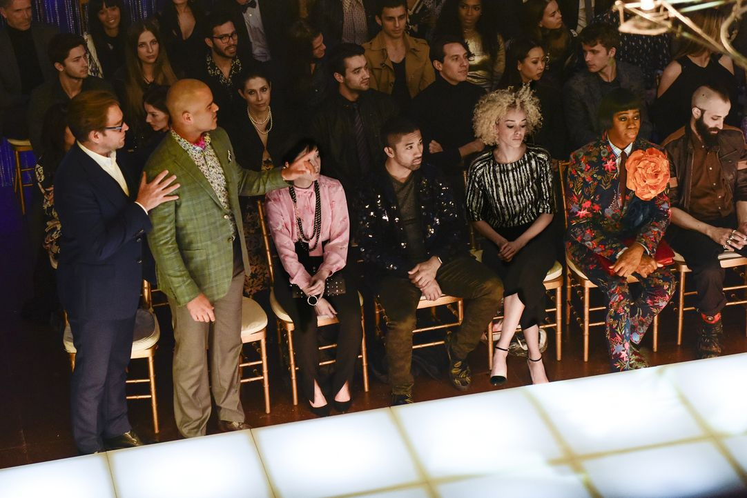 Möchten sich auf der Fashion Week eine Show der Designerin Nella Wester aus der ersten Reihe ansehen: Bull (Michael Weatherly, l.) und Chunk (Chris... - Bildquelle: John Paul Filo 2017 CBS Broadcasting, Inc. All Rights Reserved.