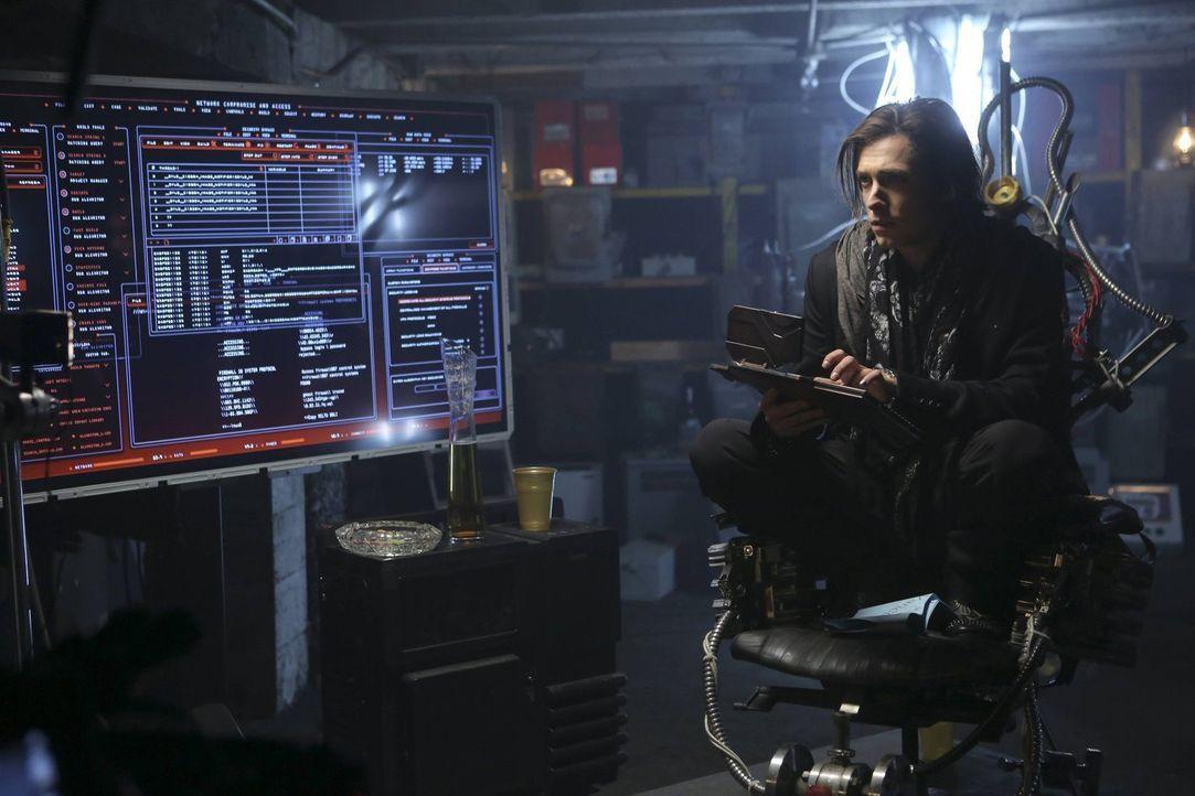 Ein Deal mit der Polizei könnte für Nico (Reece Thompson) die Freiheit bedeuten, aber wird er finden, was die Polizei sucht? - Bildquelle: Warner Bros. Television
