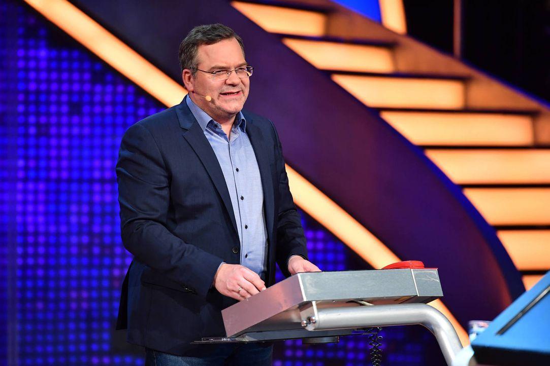 """Elton führt durch das wohl härteste TV-Duell Deutschlands: """"Schlag den Henssler"""" ... - Bildquelle: Willi Weber ProSieben"""