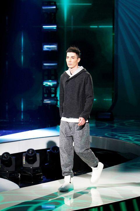 Fashion-Hero-Epi07-Gewinneroutfits-Tim-Labenda-ASOS-01-Richard-Huebner - Bildquelle: Richard Huebner