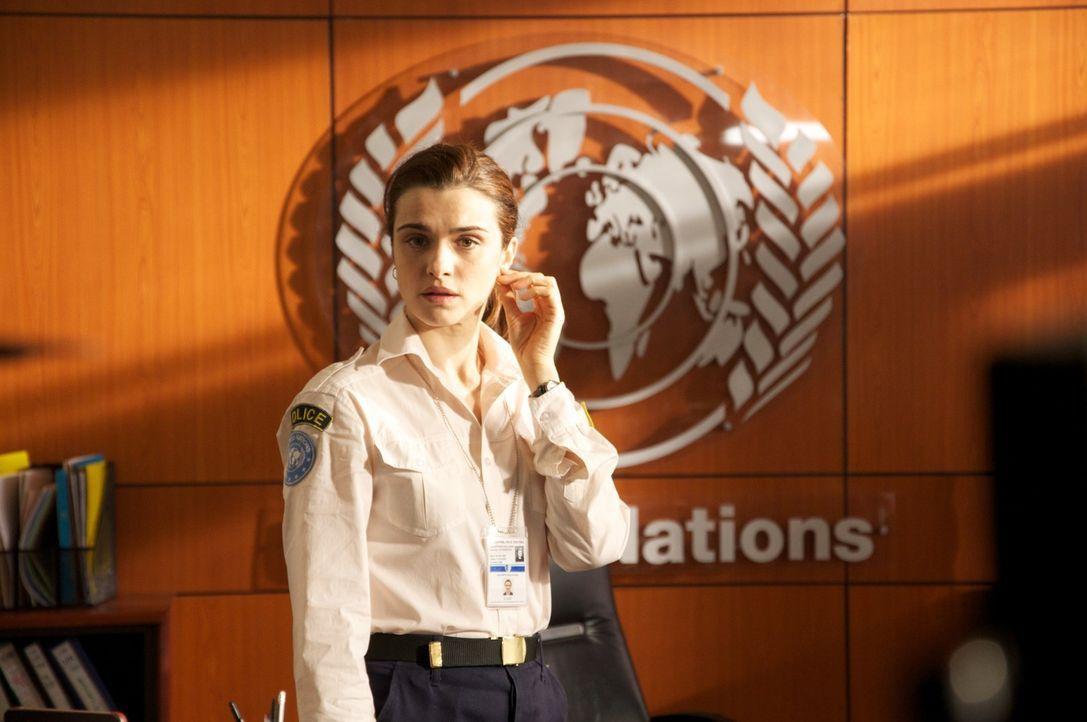 Die engagierte US-Polizistin Kathryn Bolkovac (Rachel Weisz) muss bei einem Einsatz in Nachkriegsbosnien feststellen, dass der organisierte Handel m... - Bildquelle: 2010 Whistleblower (Gen One) Canada Inc. and Barry Films GmbH