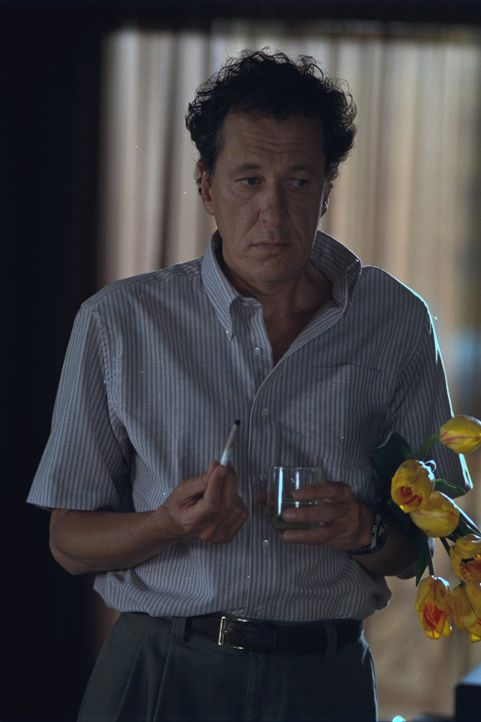 Ist von Suzette und ihrer spontanen, aufdringlichen Art total überfordert: Harry (Geoffrey Rush) ... - Bildquelle: 2002 Twentieth Century Fox Film Corporation. All rights reserved.