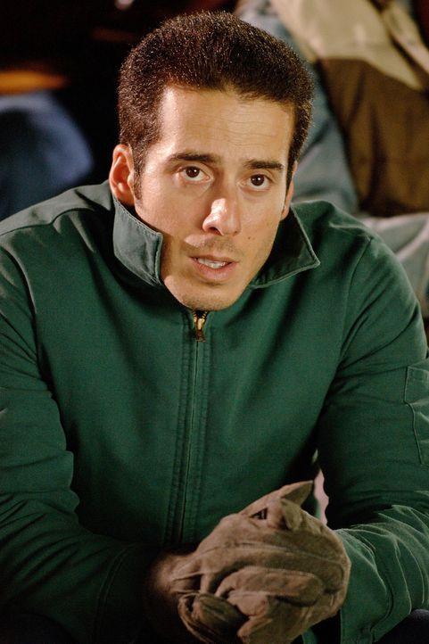 """Tommy (Kirk Acevedo) kann nicht glauben, dass einer seiner Freunde je die Chance erhalten wird, im Footballteam der """"Philadelphia Eagles"""" mitspielen... - Bildquelle: Ron Phillips Disney Enterprises, Inc.  All rights reserved"""