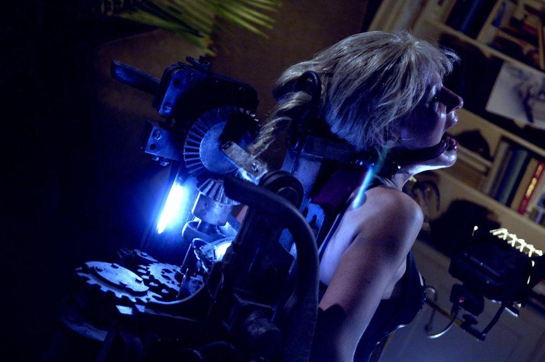Droht, skalpiert zu werden: Zuhälterin Brenda (Sarain Boylan) ... - Bildquelle: 2007 Lionsgate, Twisted Pictures