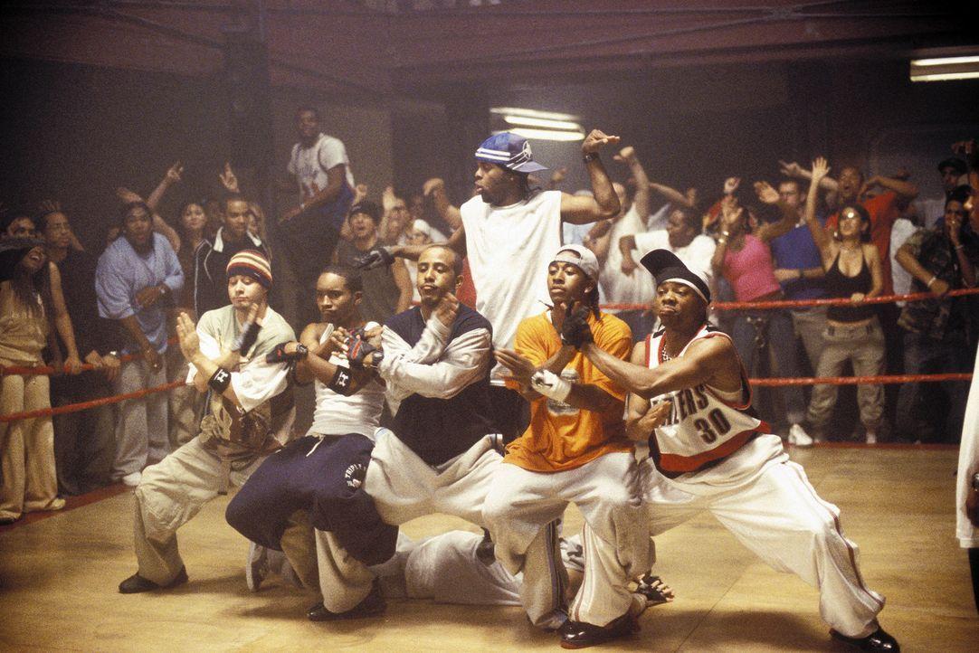 Wollen einen von MTV gesponserten Tanzwettbewerb samt der 50.000 Dollar Siegesprämie gewinnen: Rico (J-Boog, 2.v.l.), Elgin (Marques Houston, 3.v.l... - Bildquelle: 2004 Screen Gems, Inc. All Rights Reserved.