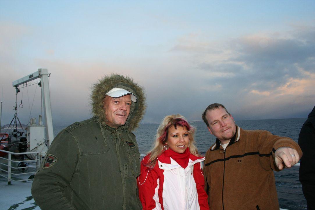 Lutz (46) und seine Lebensgefährtin Eve (20) stoßen wegen des großen Altersunterschieds in Deutschland immer wieder auf Unverständnis. Auch desh... - Bildquelle: kabel eins