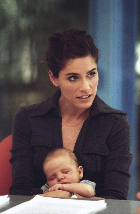 Weil Anwältin Sofia (Amanda Peet) in die Babypause gehen möchte, muss ihr Ehemann Tom, der das Arbeiten nicht erfunden hat, nun das Geld ranschaff...