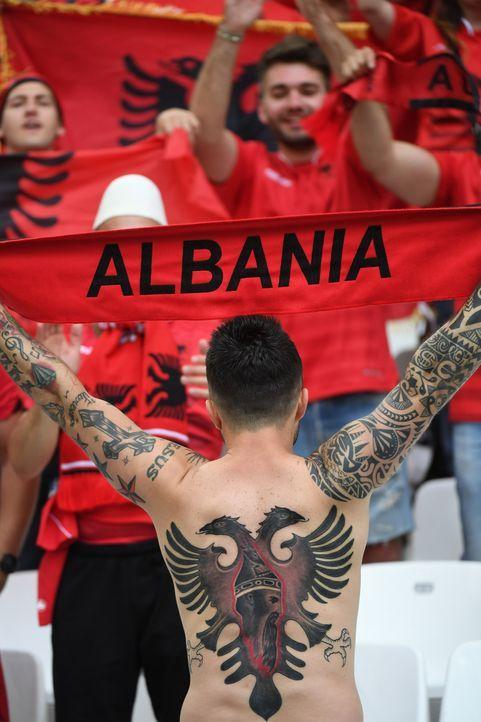 Albania_Tattoo_000_BX4SN_BORIS HORVAT_AFP - Bildquelle: AFP / BORIS HORVAT
