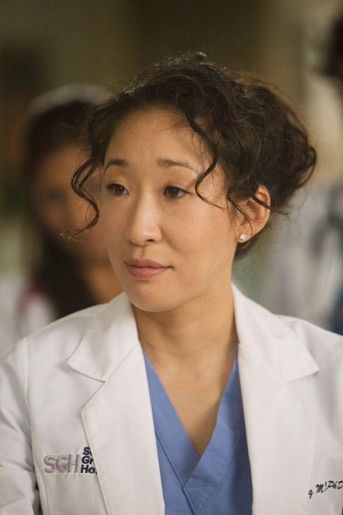 Cristina (Sandra Oh) stolpert in eine Abteilung des Seattle Grace, in der sie und ihre Freunde noch nie waren ... - Bildquelle: Touchstone Television