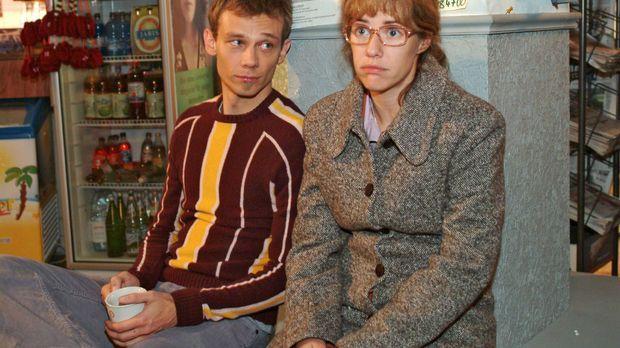 Lisa (Alexandra Neldel, r.) redet sich gegenüber dem skeptischen Jürgen (Oliv...