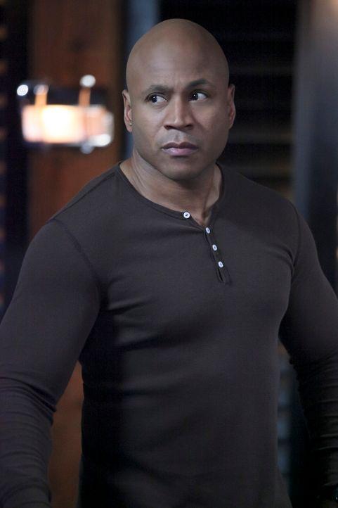 Bei der Überprüfung eines Lieferwagens wird ein Polizist angeschossen. Das Team um Sam (LL Cool J) beginnt zu ermitteln und stößt dabei auf eine tsc... - Bildquelle: CBS Studios Inc. All Rights Reserved.