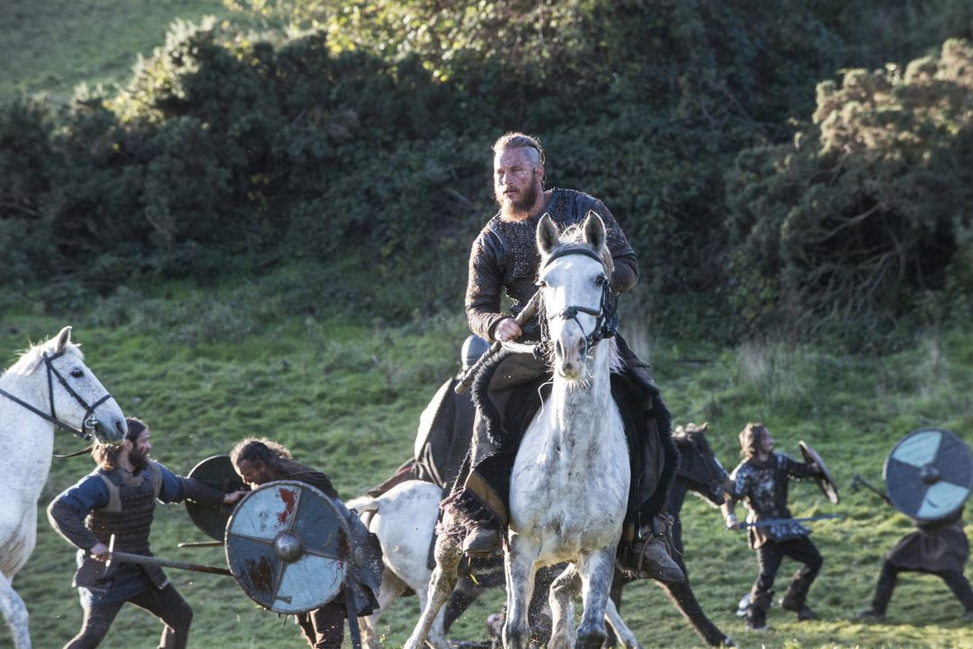 Hat im Kampf gegen König Ecbert viele Männer verloren: Ragnar (Travis Fimmel) ... - Bildquelle: 2014 TM TELEVISION PRODUCTIONS LIMITED/T5 VIKINGS PRODUCTIONS INC. ALL RIGHTS RESERVED.