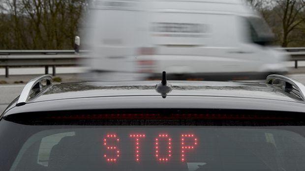 Polizei in Brandenburg stoppt Schleuser-Lastwagen