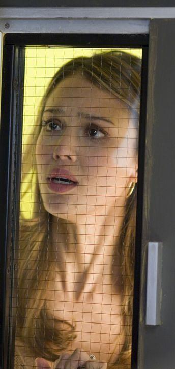 Noch in der Hochzeitsnacht erwartet ihren frischgebackenen Ehemann eine schwere Operation. Für Sam (Jessica Alba) beginnt eine lange Zeit des Bangen... - Bildquelle: The Weinstein Company