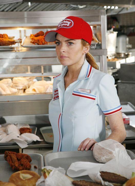 Schon zu Highschool-Zeiten war die populäre Kimmie (Lindsay Lohan) äußerst boshaft zu Betty. Ausgerechnet in der Morningshow treffen die beiden wied... - Bildquelle: 2008   ABC Studios