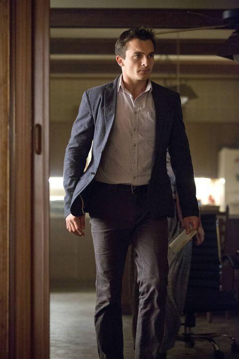 Versucht gemeinsam mit Carrie, eine polizeiliche Ermittlung zu verhindern: Quinn (Rupert Friend) ... - Bildquelle: 2013 Twentieth Century Fox Film Corporation. All rights reserved.