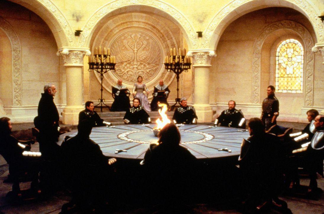 Die Ritter der Tafelrunde: Zwischen König Artus und Malagant kommt es zum Zerwürfnis ... - Bildquelle: Columbia Pictures