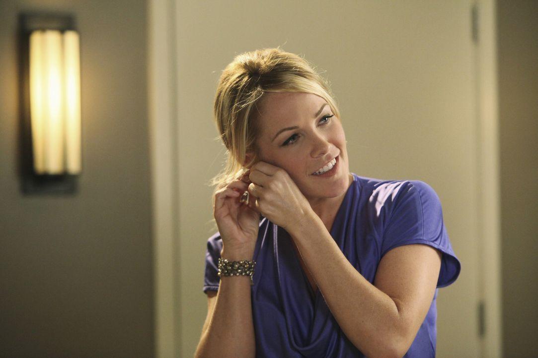 Alice (Andrea Anders), die attraktive Marketingleiterin, möchte endlich eine ehrliche Beziehung führen ... - Bildquelle: Sony Pictures Television Inc. All Rights Reserved.