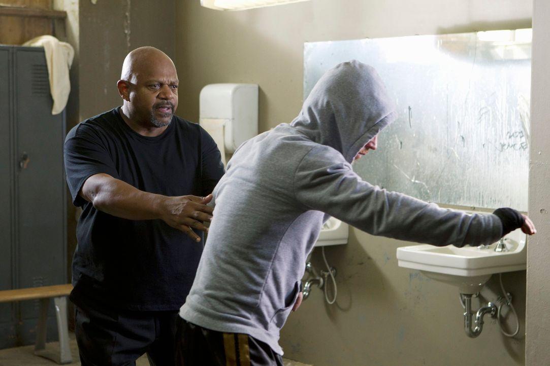 Bei den Ermittlungen in seinem neuen Fall gerät das BAU-Team in die Boxszene von Philadelphia. Doch haben Jimmy Hall (Shawn Hatosy, r.) und Tony Col... - Bildquelle: ABC Studios