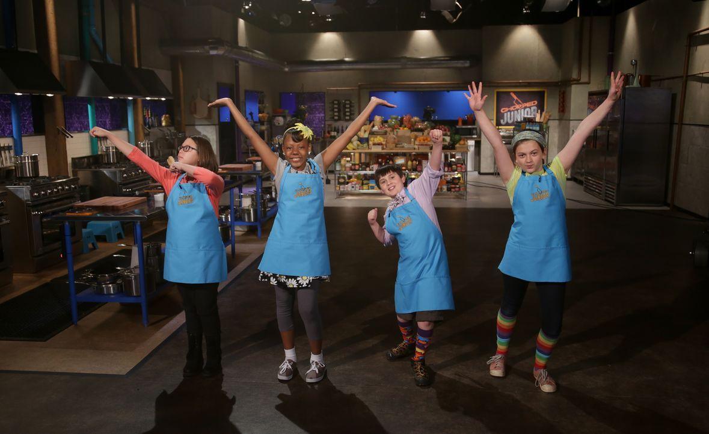 Nachdem die jungen Kochtalente in der ersten Runde saftige Minuten-Steaks zu... - Bildquelle: Susan Magnano 2016,Television Food Network, G.P. All Rights Reserved