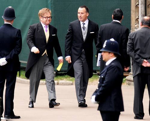 William-Kate-Westminster-Abbey-Elton-John-David-Furnish-11-04-29-500_404_AFP - Bildquelle: AFP