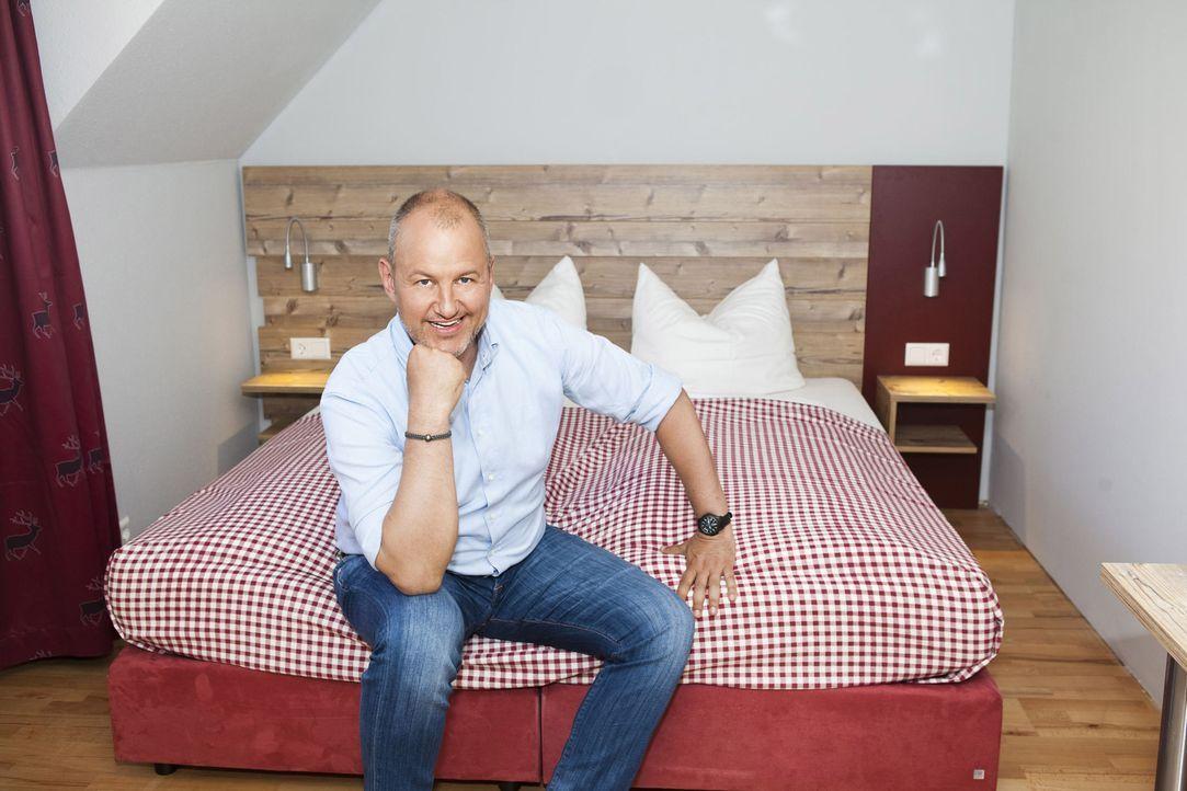 Für Sternekoch Frank Rosin (Foto) eine Premiere: Diesmal gilt es nicht nur ein Restaurant, sondern gleich ein ganzes Hotel zu retten ... - Bildquelle: kabel eins