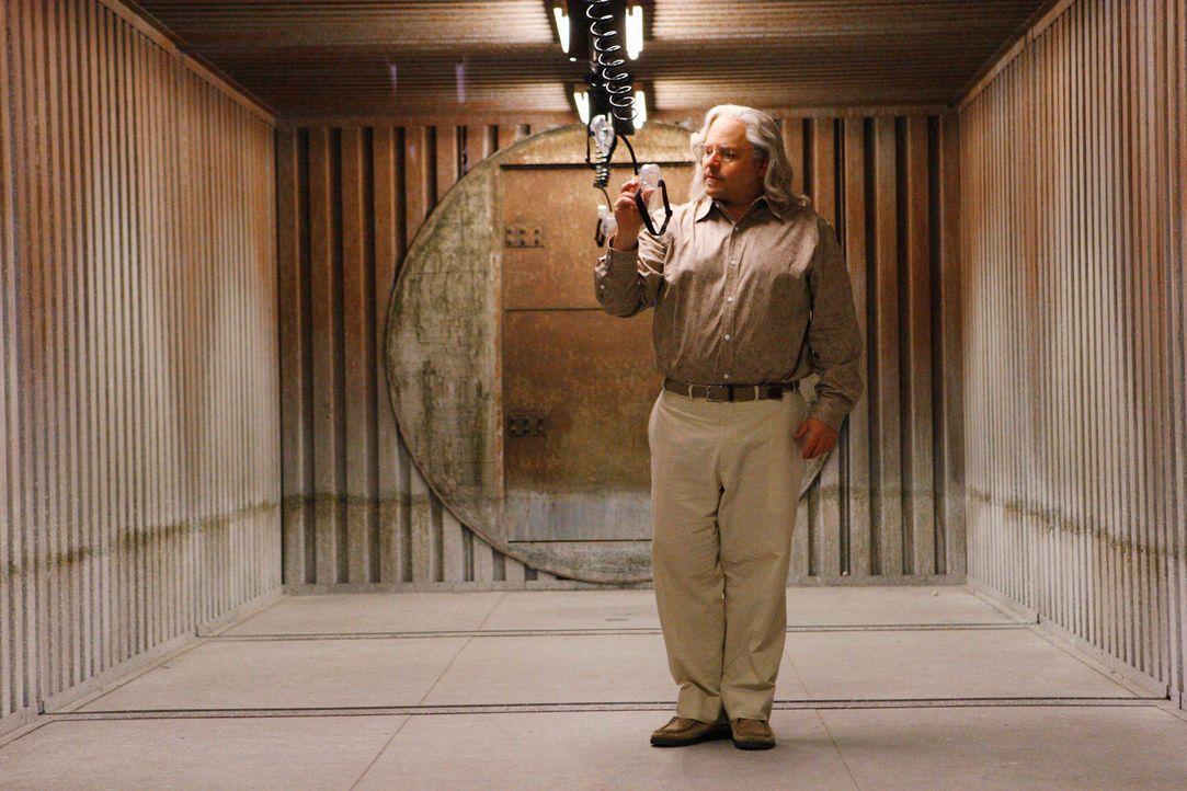 Spielt ein gemeines Spiel mit dem BAU-Team: Professor Rothschild (Jason Alexander) ... - Bildquelle: Touchstone Television