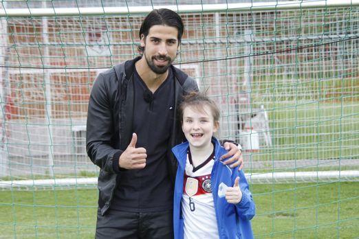 Kleine Fans & Große Stars - Für Rosalie (r.) geht ein großer Wunsch in Er...