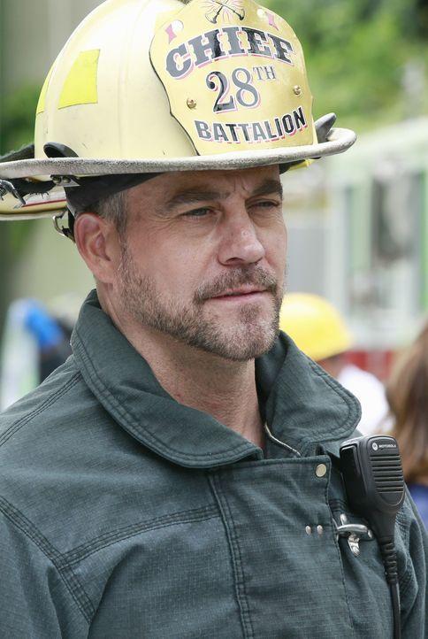 Gibt alles, um die Verletzten nach der Katastrophe zu retten: Hal (Robert Neary) ... - Bildquelle: ABC Studios