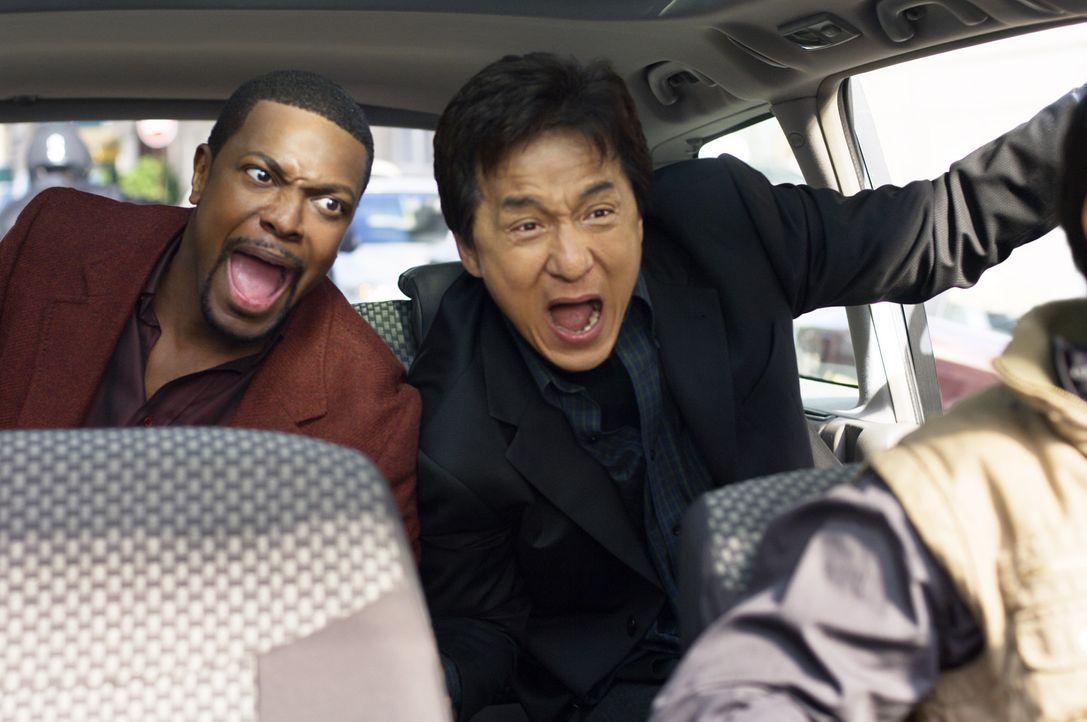 Als ein Botschafter angeschossen wird, müssen Detective Carter (Chris Tucker, l.) und Chief Inspector Lee (Jackie Chan, r.) nach Paris reisen. Da s... - Bildquelle: Warner Bros.