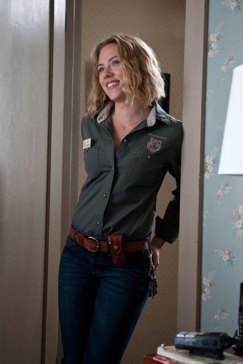 Steht Benjamin Mee bei seinem Abenteuer zur Seite: Tierpflegerin Kelly (Scarlett Johansson) ... - Bildquelle: 2011 Twentieth Century Fox Film Corporation. All rights reserved.