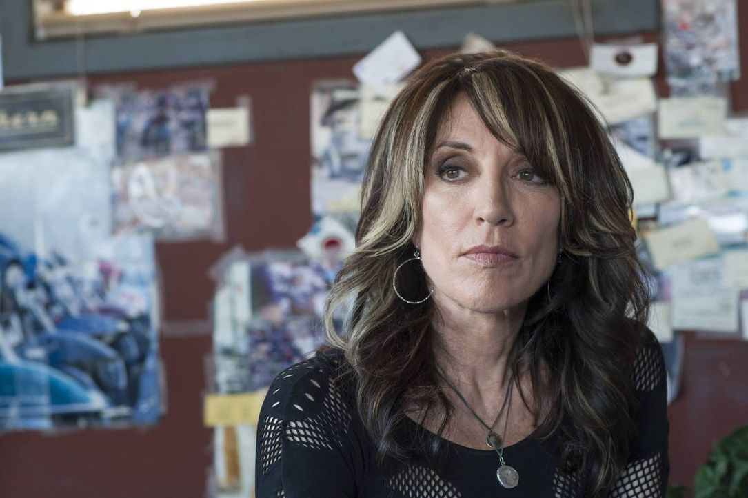 Außgerechnet Wayne findet heraus, dass sie Juice deckt. Gemma (Katey Sagal) überlegt ihre nächsten Schritte, um den Mord an Tara zu vertuschen ... - Bildquelle: Prashant Gupta 2013 Twentieth Century Fox Film Corporation and Bluebush Productions, LLC. All rights reserved.