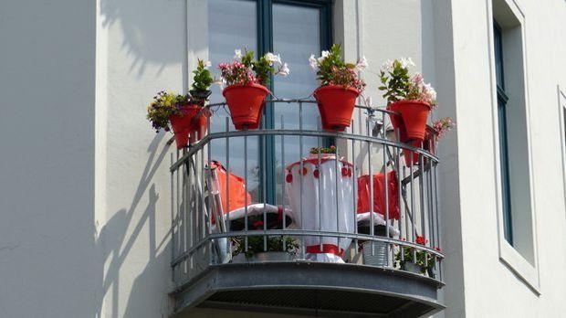 Balkon-klein-Möbel-pixabay