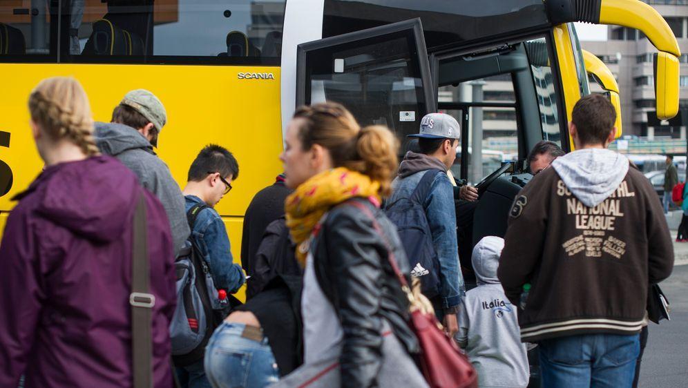 Der größte Busbahnhof Europas - Bildquelle: dpa