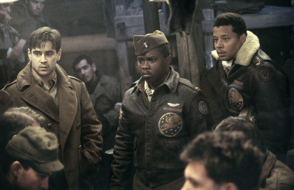 Deutschland im Dezember 1944: Der junge Lt. Thomas Hart (Colin Farrell, l.) gerät in ein Kriegsgefangenenlager der Nazis. Als zwei farbige Häftlinge... - Bildquelle: Metro-Goldwyn-Mayer Studios Inc. All Rights Reserved.