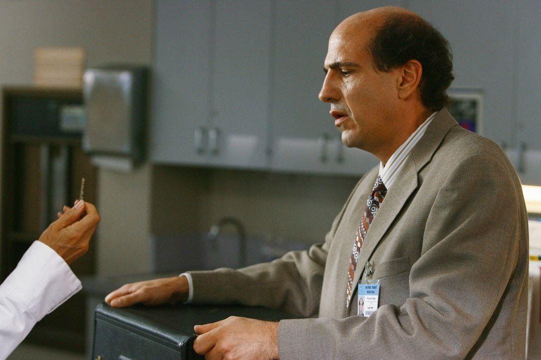 Wie wird Ted Buckland (Sam Llyod) auf die neue Ärztin reagieren? - Bildquelle: Touchstone Television