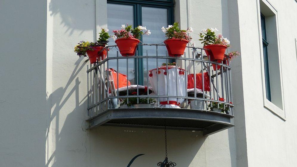 mit einer sitzbank balkon ausstatten sat 1 ratgeber. Black Bedroom Furniture Sets. Home Design Ideas